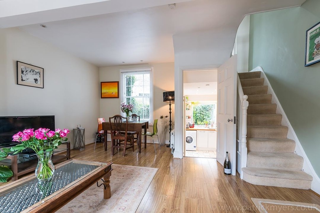 House - Terraced Sale Agreed in Ada Road, SE5 27 view3