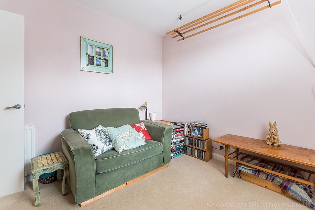 House - Terraced Sale Agreed in Ada Road, SE5 27 view14