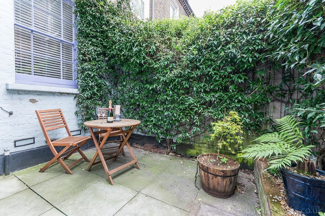 House - Terraced Sale Agreed in Ada Road, SE5 27 view10