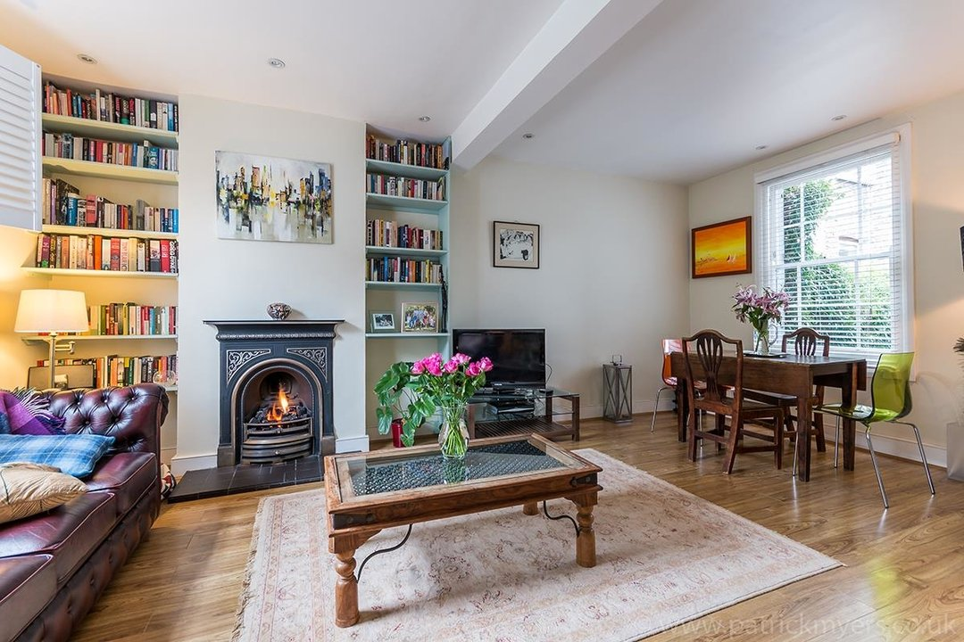 House - Terraced Sale Agreed in Ada Road, SE5 27 view2