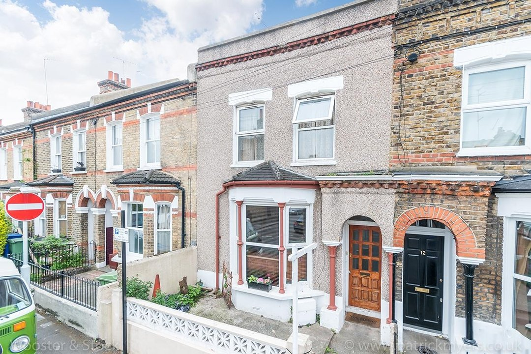House - Terraced For Sale in Ada Road, SE5 81 view2