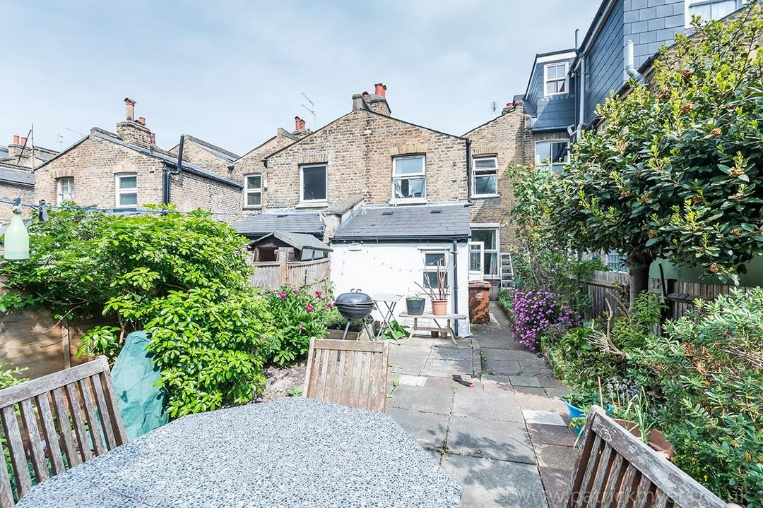 House - Terraced For Sale in Ada Road, SE5 81 view12
