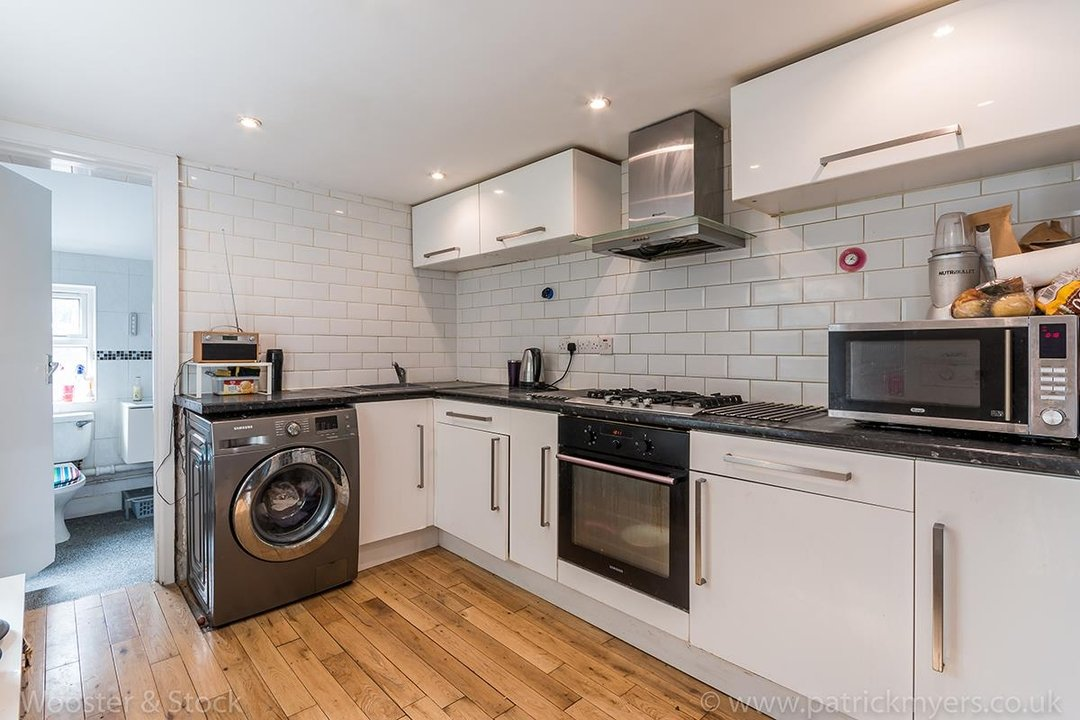 House - Terraced For Sale in Ada Road, SE5 81 view3