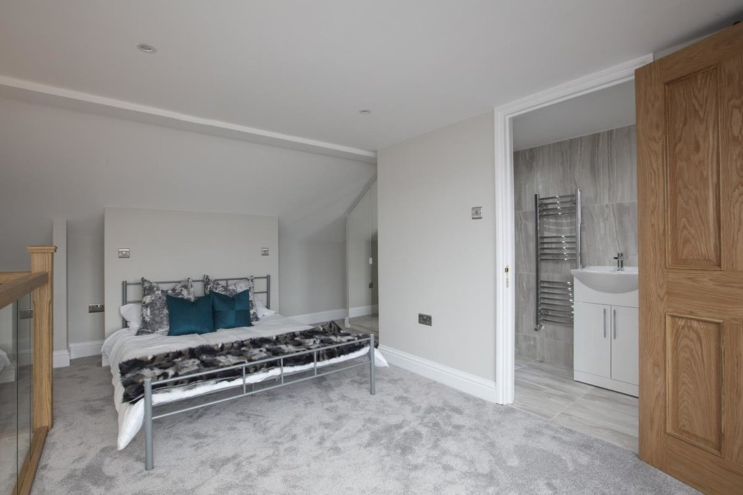 Flat/Apartment Sale Agreed in Avondale Rise, SE15 257 view10