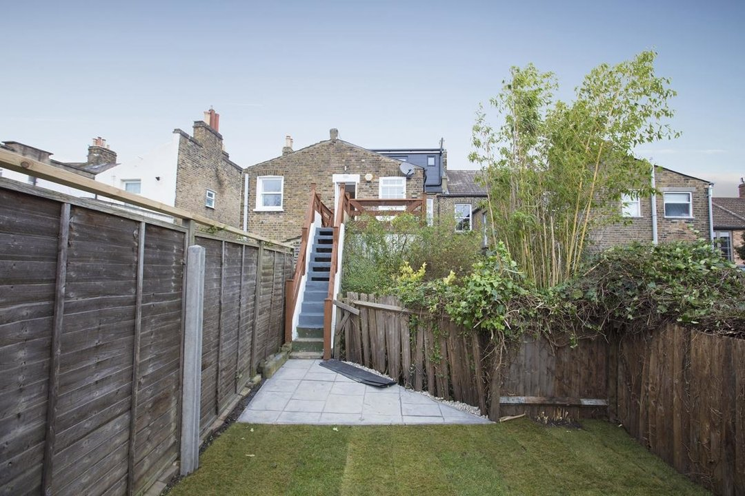 Flat/Apartment Sale Agreed in Avondale Rise, SE15 257 view5