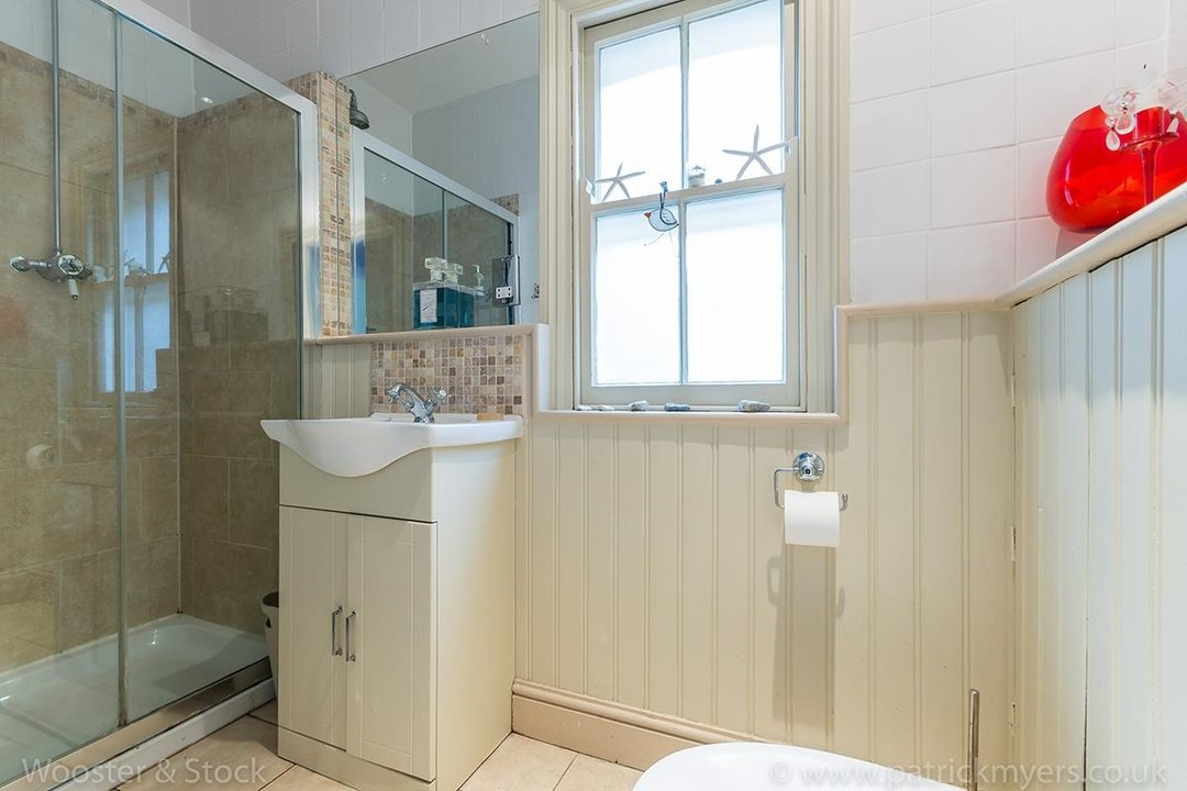 House - Semi-Detached For Sale in Barry Road, SE22 123 view19