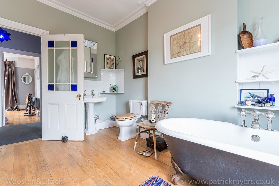 House - Semi-Detached For Sale in Barry Road, SE22 123 view16