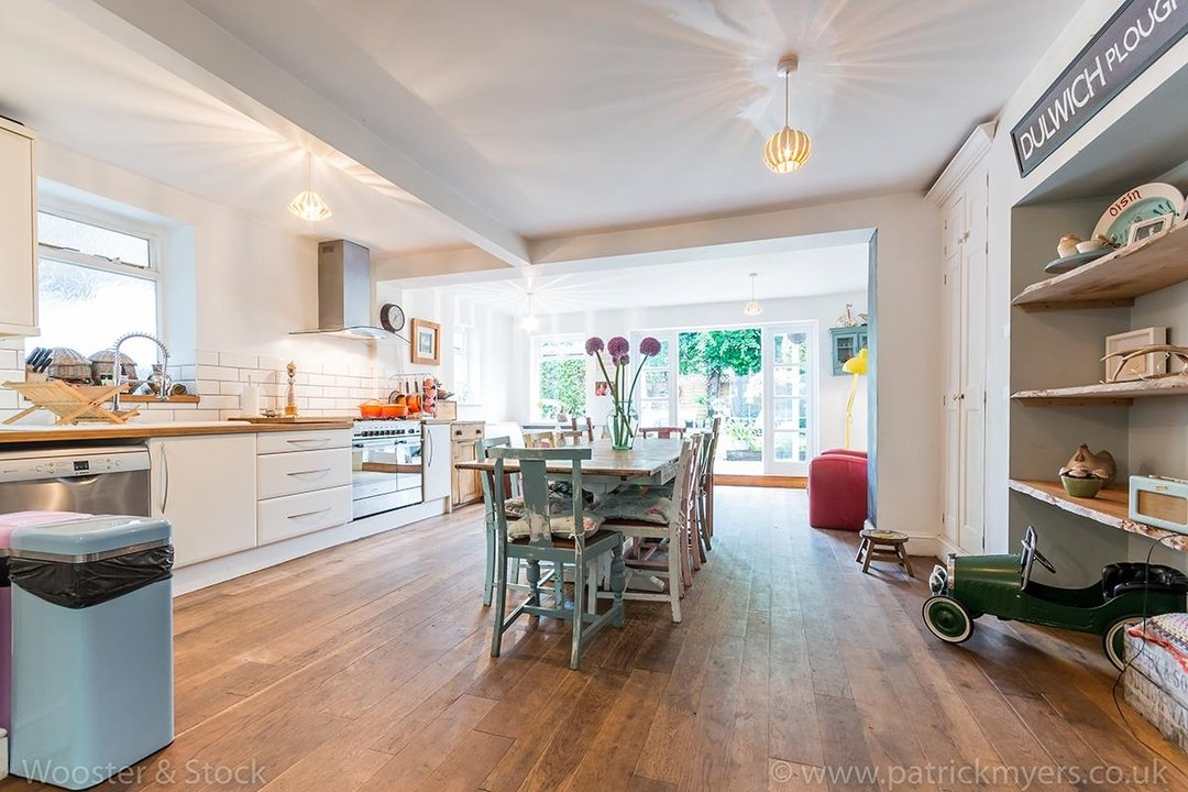House - Semi-Detached For Sale in Barry Road, SE22 123 view18