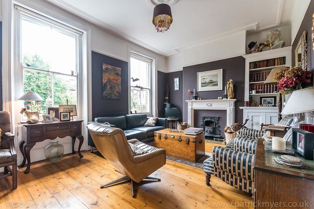 House - Semi-Detached For Sale in Barry Road, SE22 123 view2