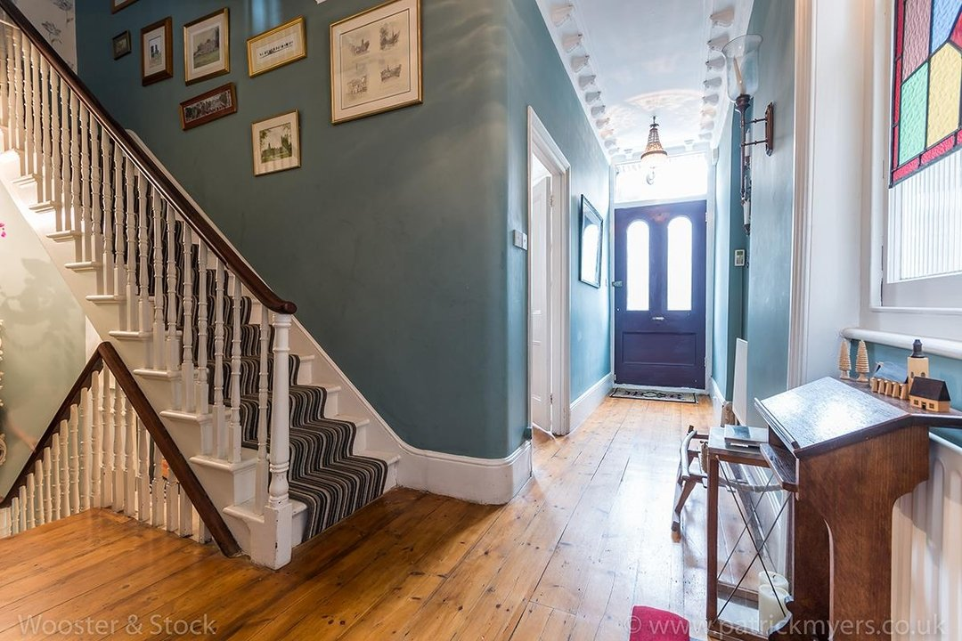 House - Semi-Detached For Sale in Barry Road, SE22 123 view3