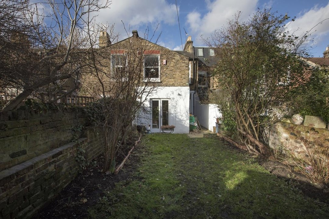 House - Terraced Sale Agreed in Bicknell Road, SE5 251 view26