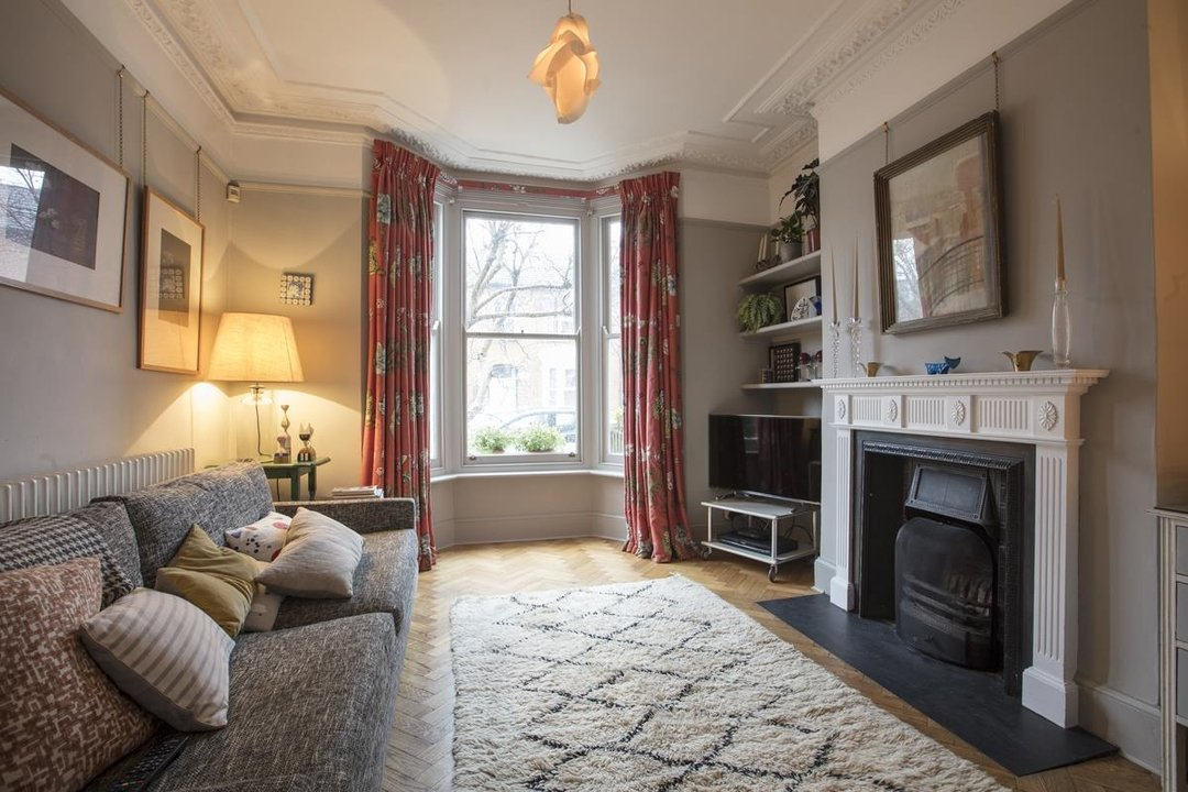 House - Terraced Sale Agreed in Bicknell Road, SE5 251 view4