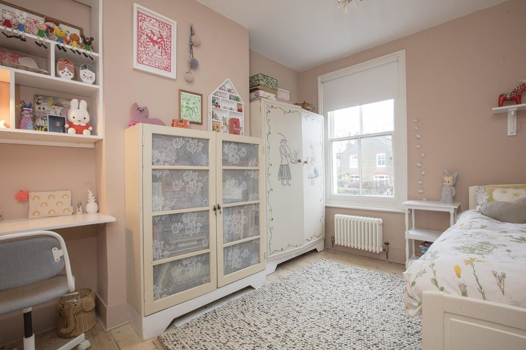 House - Terraced Sale Agreed in Bicknell Road, SE5 251 view15