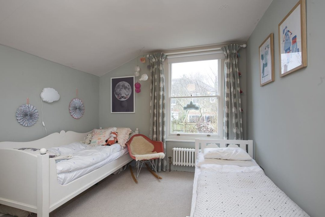 House - Terraced Sale Agreed in Bicknell Road, SE5 251 view5