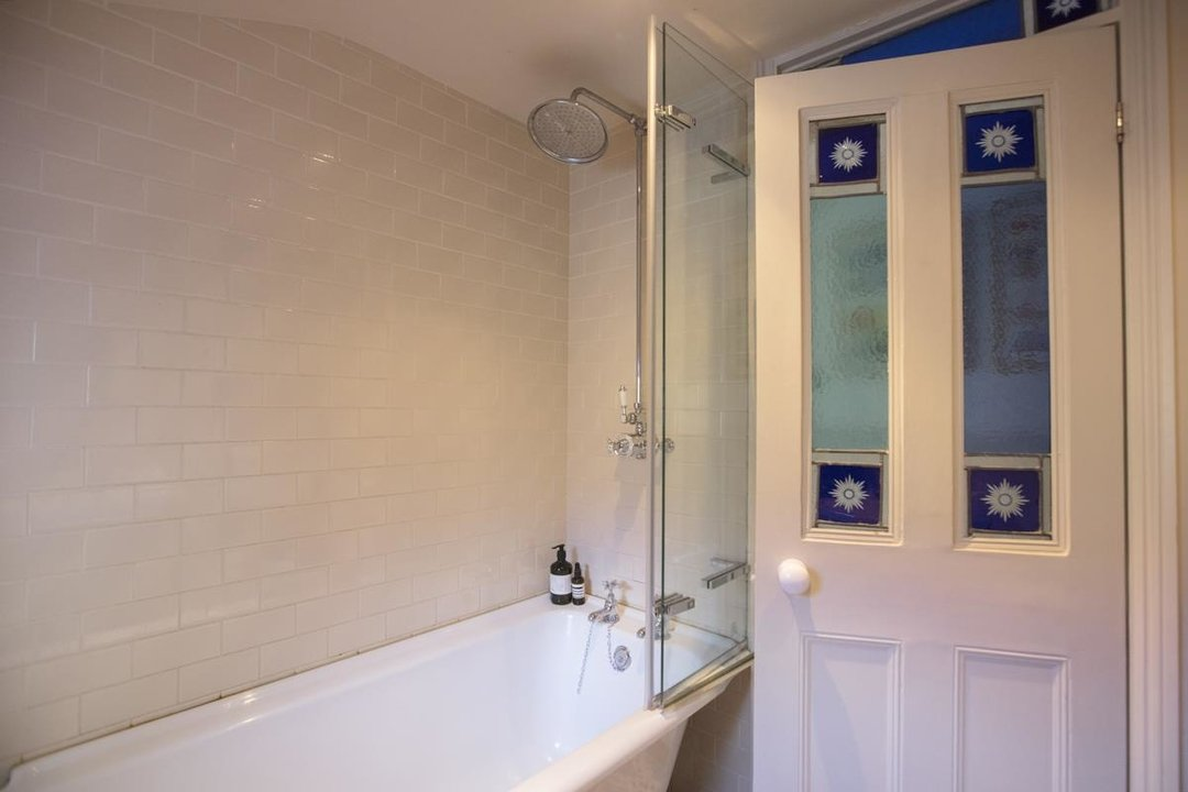 House - Terraced Sale Agreed in Bicknell Road, SE5 251 view27