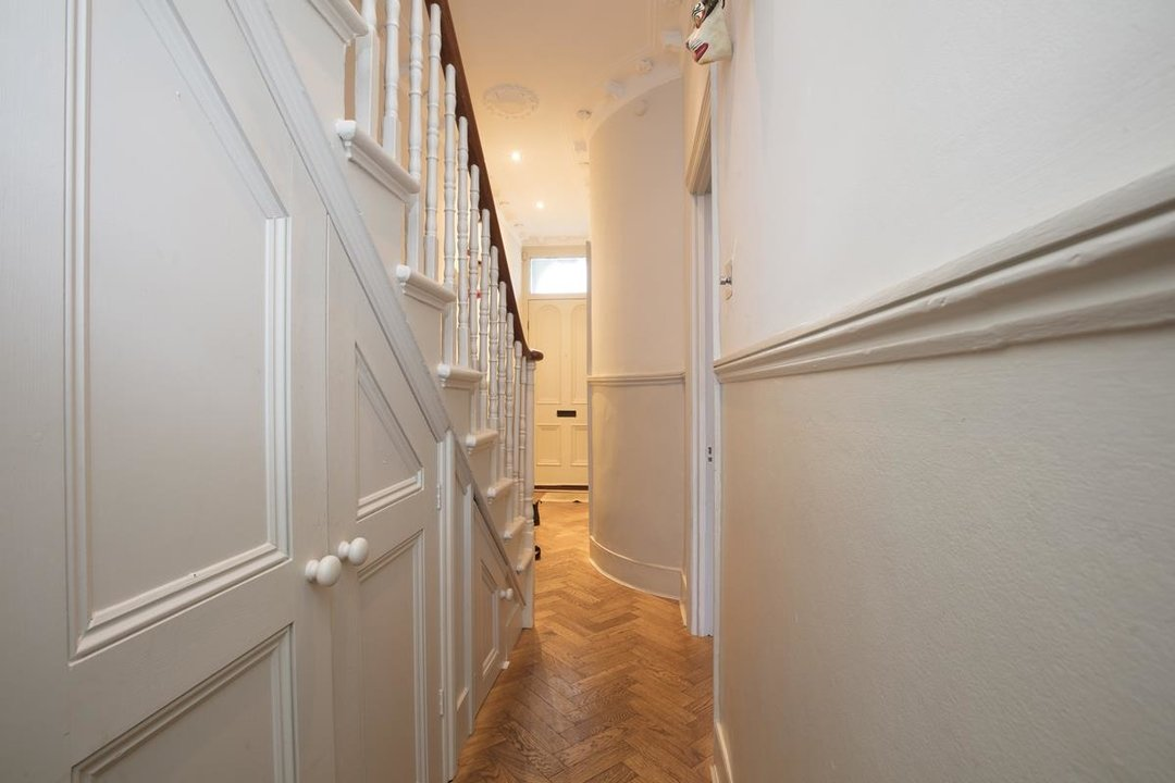 House - Terraced Sale Agreed in Bicknell Road, SE5 251 view16