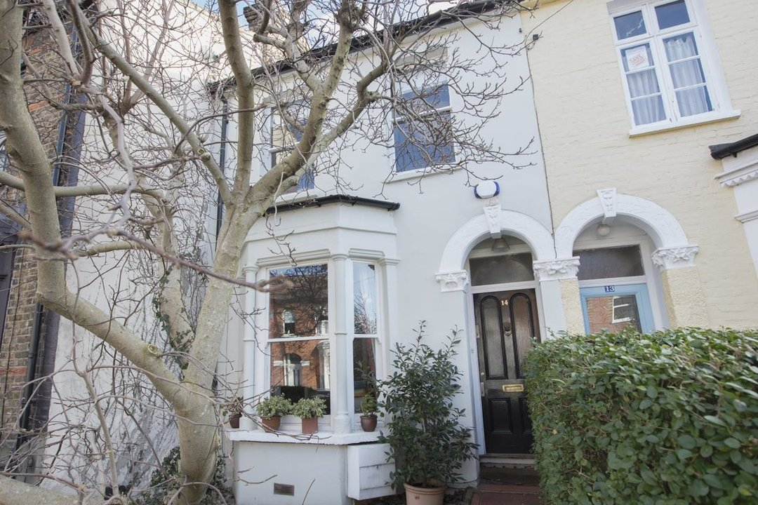 House - Terraced Sale Agreed in Bicknell Road, SE5 251 view1