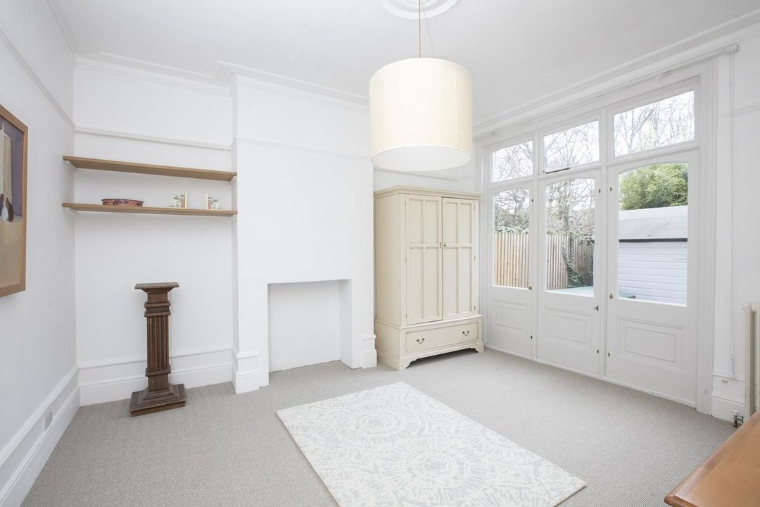 Flat/Apartment Sale Agreed in Bishopsthorpe Road, SE26 296 view8