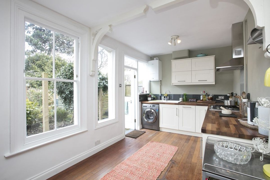 Flat/Apartment Sale Agreed in Bishopsthorpe Road, SE26 296 view3