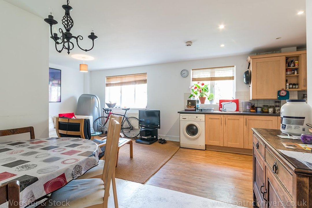 Flat - Purpose Built For Sale in Blakes Road, SE15 100 view3