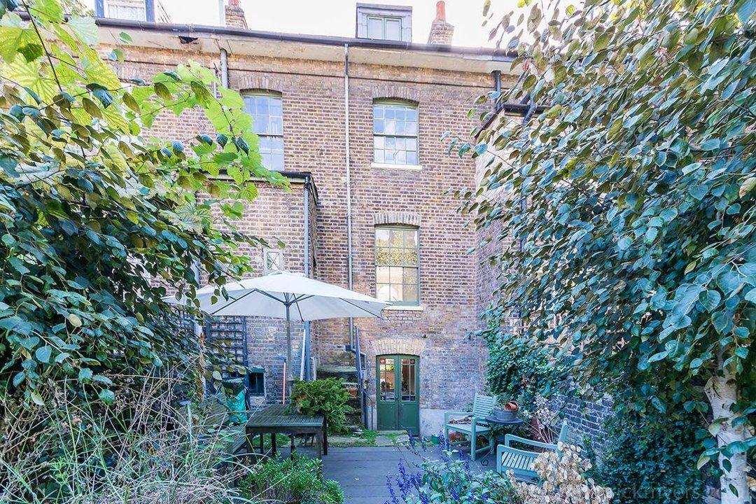 House - Terraced Sold in Brunswick Villas, London SE5 48 view8