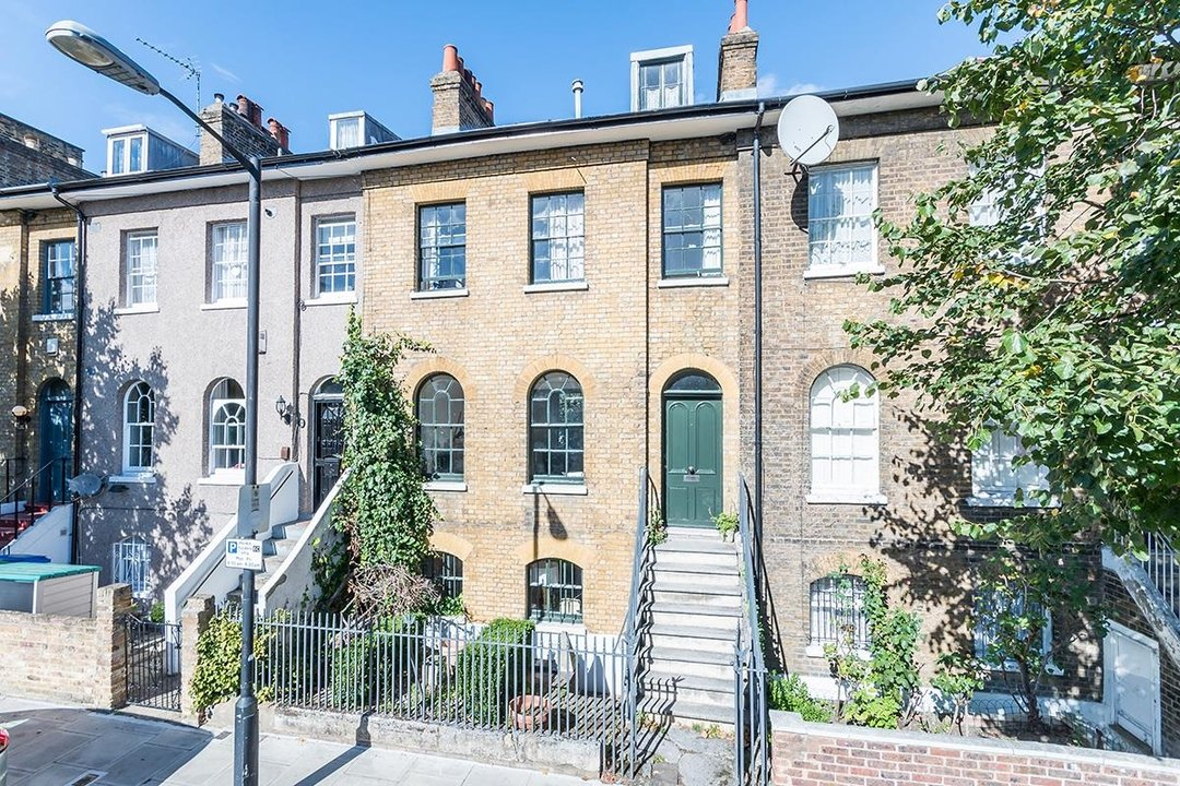 House - Terraced Sale Agreed in Brunswick Villas, London SE5 48 view1