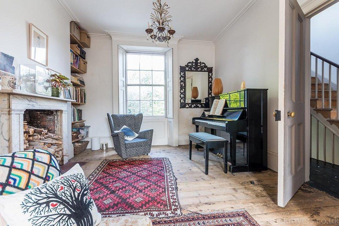 House - Terraced Sold in Brunswick Villas, London SE5 48 view4