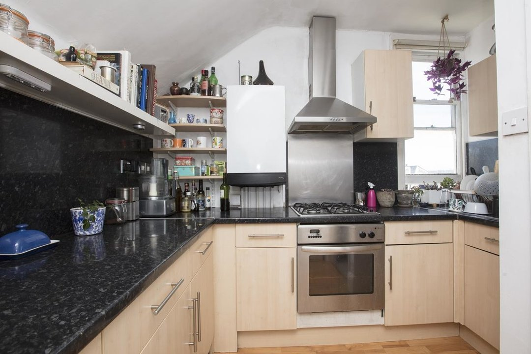 Flat/Apartment For Sale in Bushey Hill Road, SE5 325 view5
