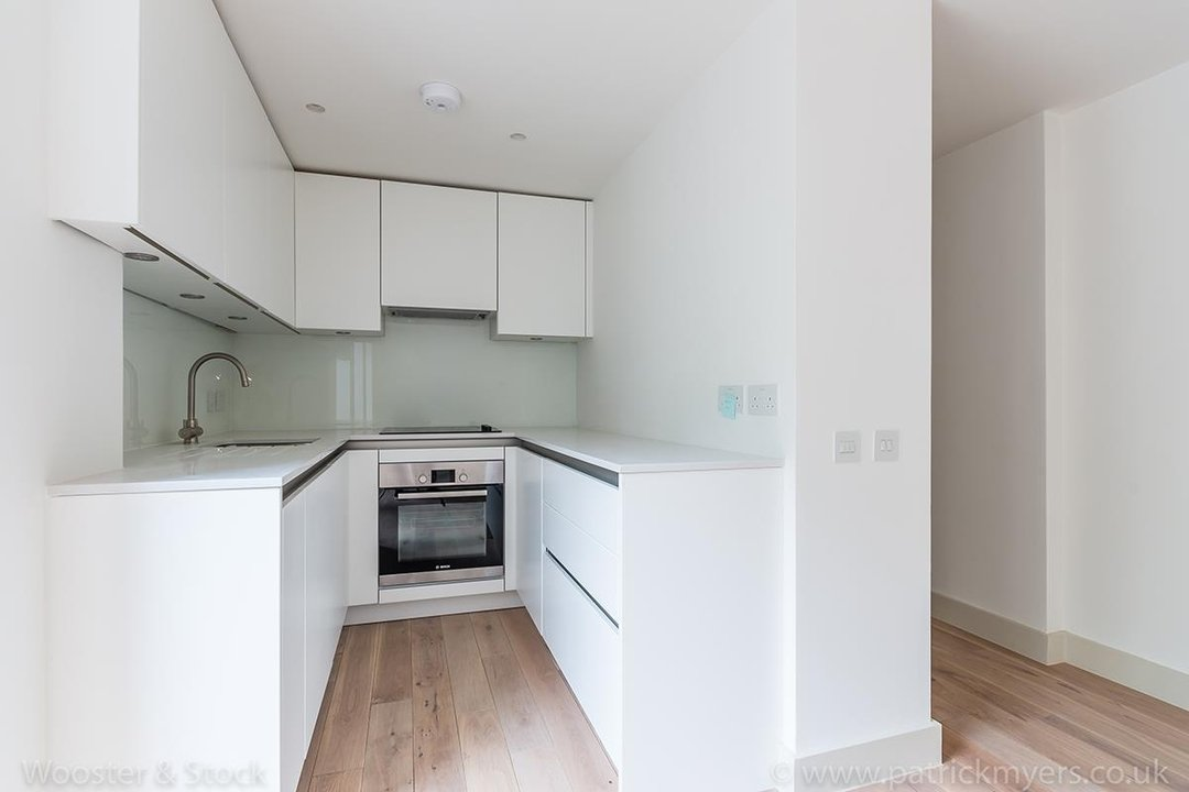 Flat - Conversion Sale Agreed in Camberwell Grove, SE5 102 view7