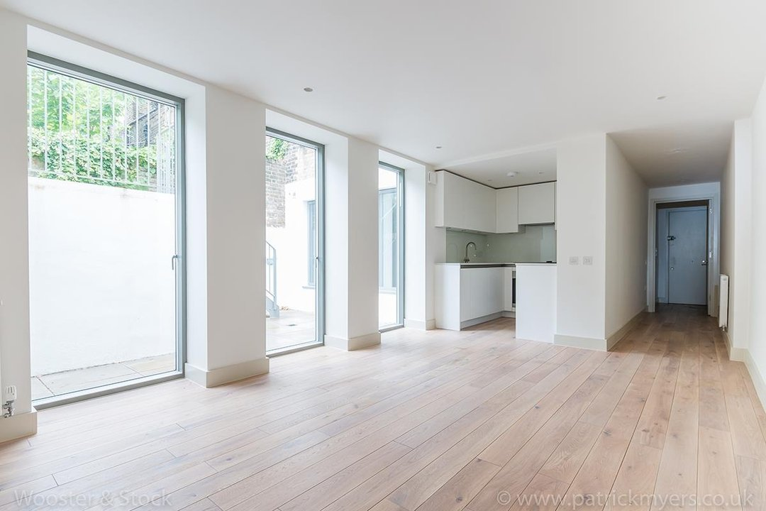 Flat - Conversion Sale Agreed in Camberwell Grove, SE5 102 view5
