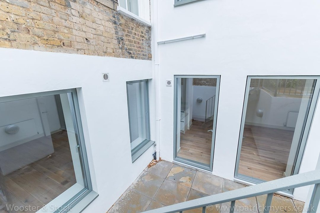 Flat - Conversion Sale Agreed in Camberwell Grove, SE5 102 view10