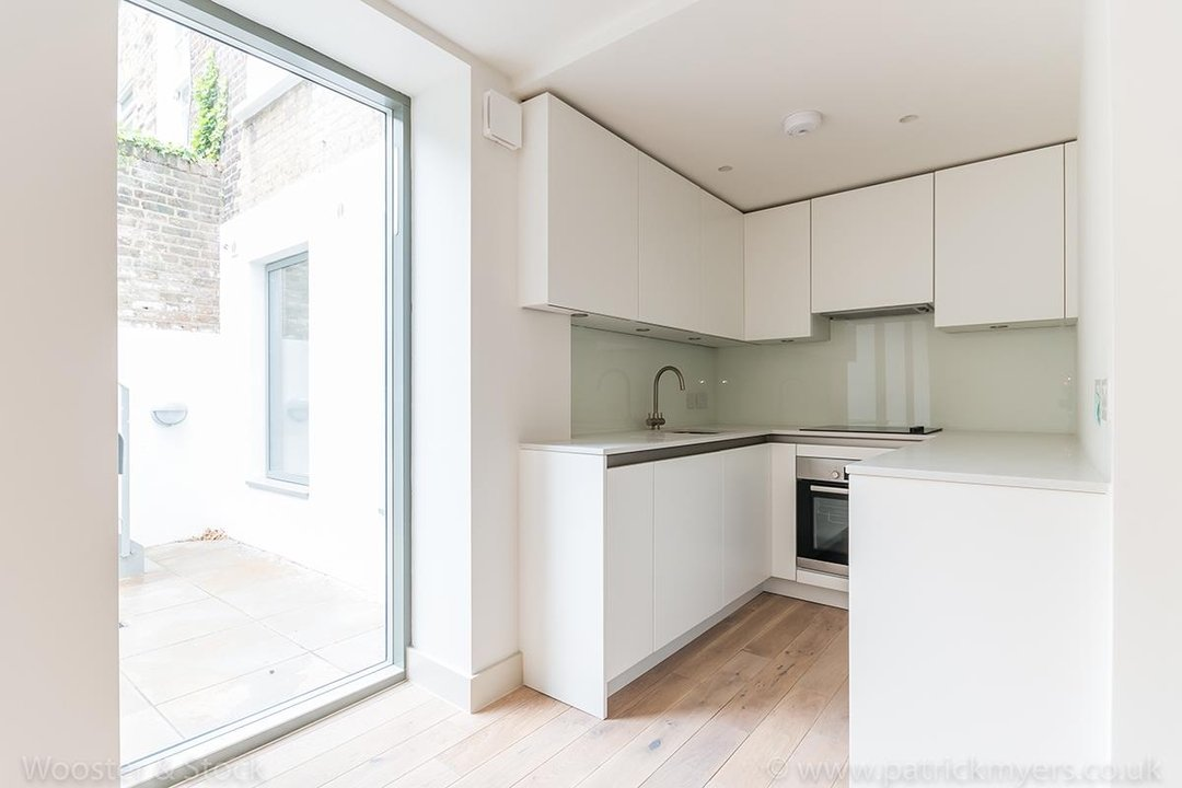 Flat - Conversion Sale Agreed in Camberwell Grove, SE5 102 view6