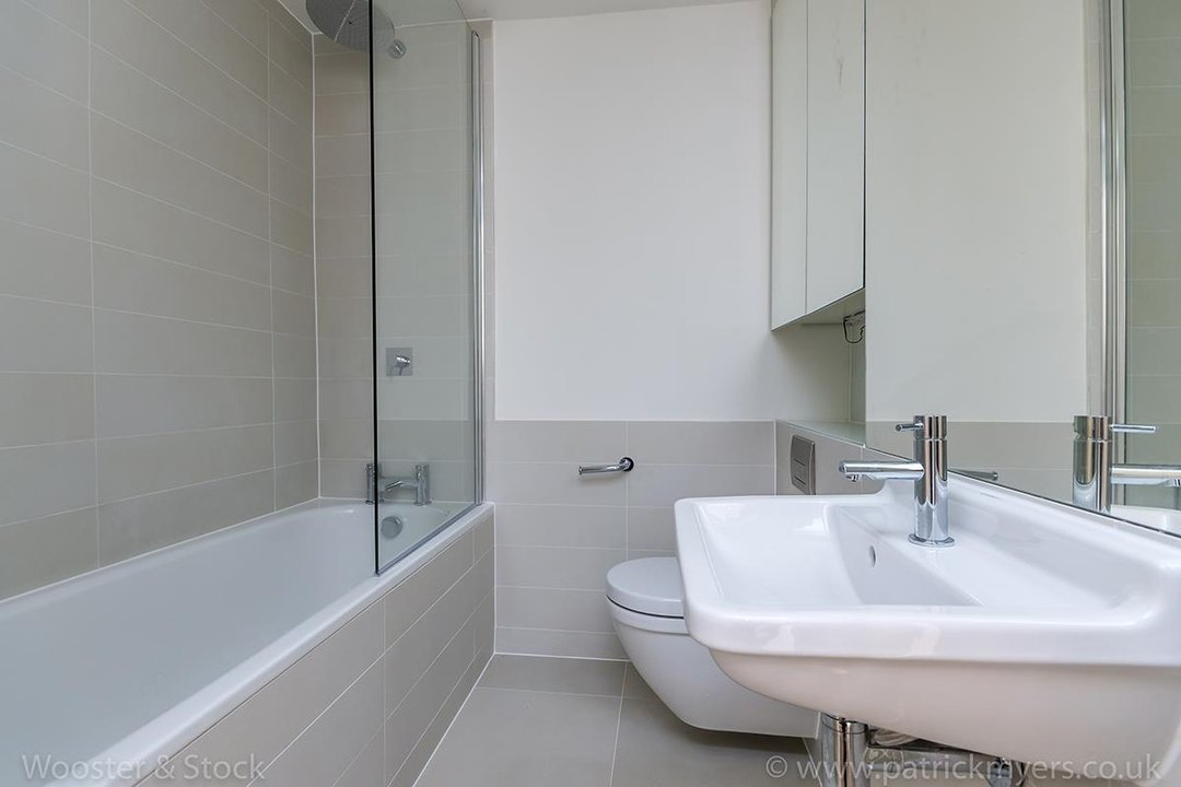 Flat - Conversion Sale Agreed in Camberwell Grove, SE5 102 view3