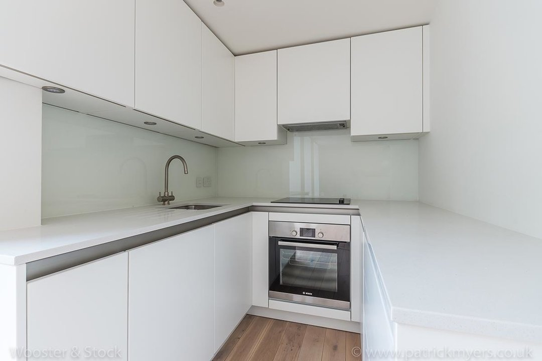 Flat - Conversion Sale Agreed in Camberwell Grove, SE5 102 view8