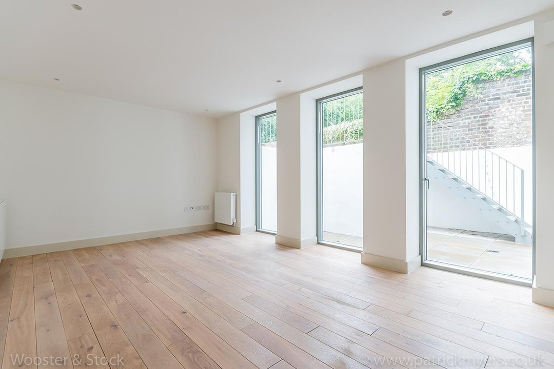 Flat - Conversion Sale Agreed in Camberwell Grove, SE5 102 view4