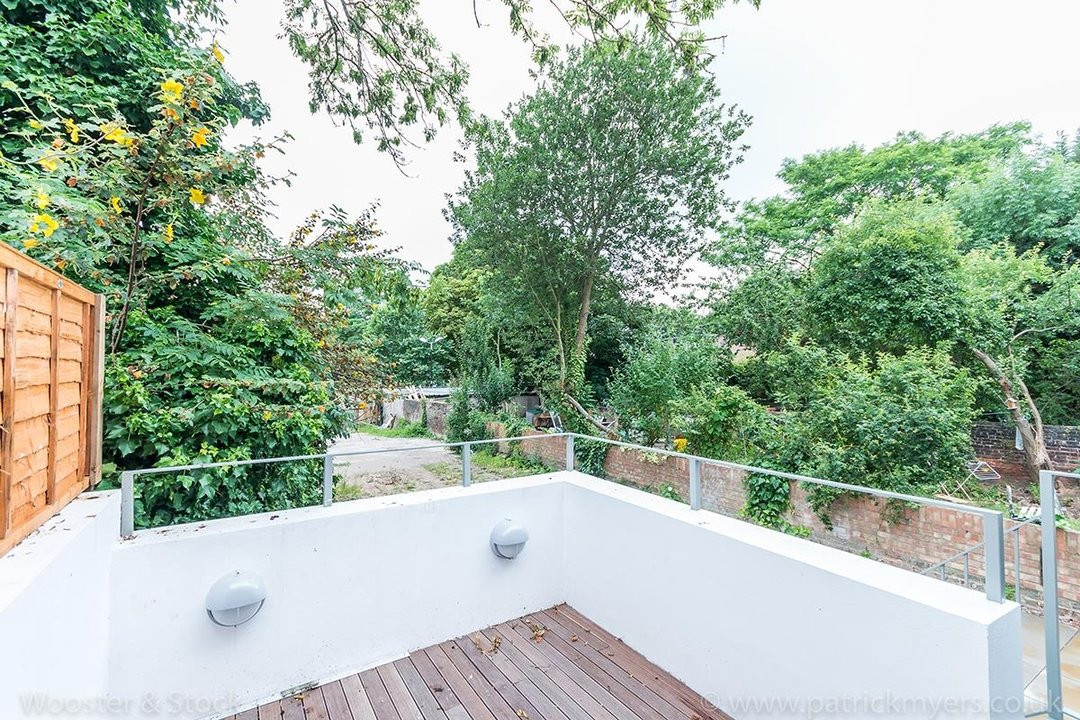 Flat - Conversion Sale Agreed in Camberwell Grove, SE5 103 view4