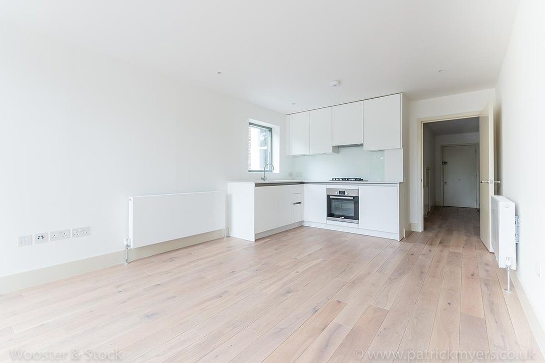 Flat - Conversion Sale Agreed in Camberwell Grove, SE5 103 view7