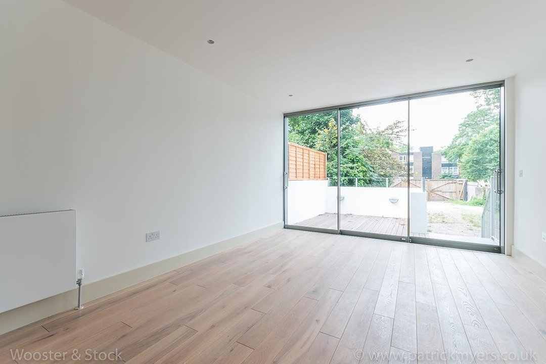 Flat - Conversion Sale Agreed in Camberwell Grove, SE5 103 view6