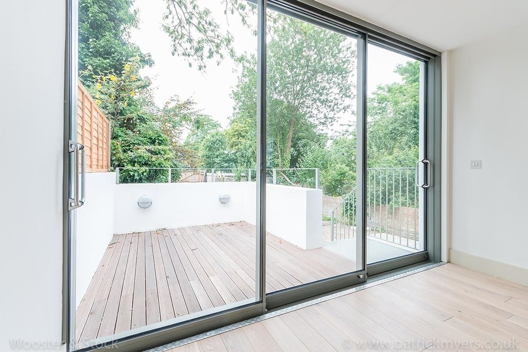 Flat - Conversion Sale Agreed in Camberwell Grove, SE5 103 view9