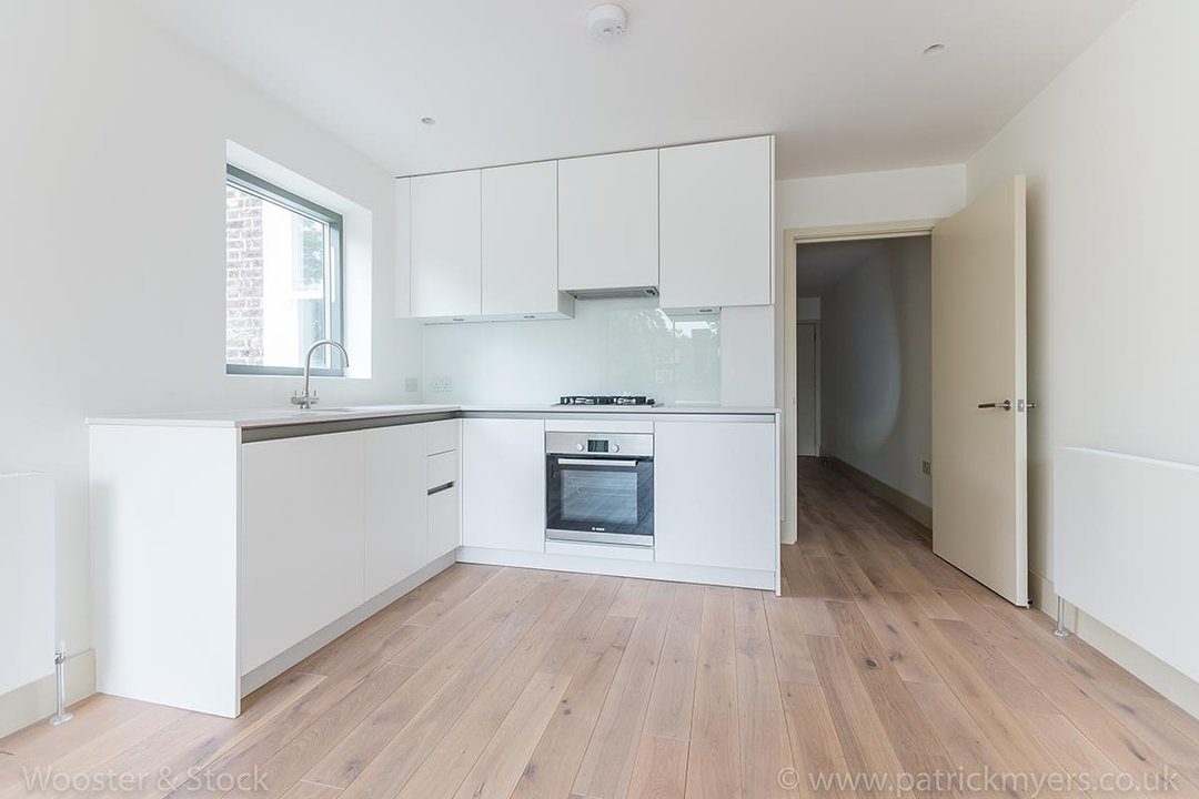 Flat - Conversion Sale Agreed in Camberwell Grove, SE5 103 view8