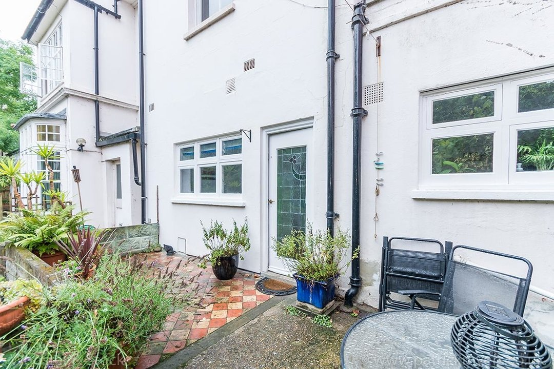 Flat - Conversion For Sale in Camberwell Grove, SE5 128 view14