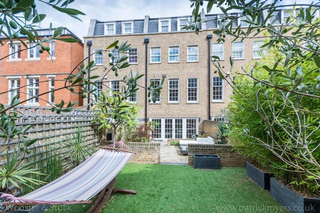 House - Terraced Sale Agreed in Camberwell Grove, SE5 181 view16