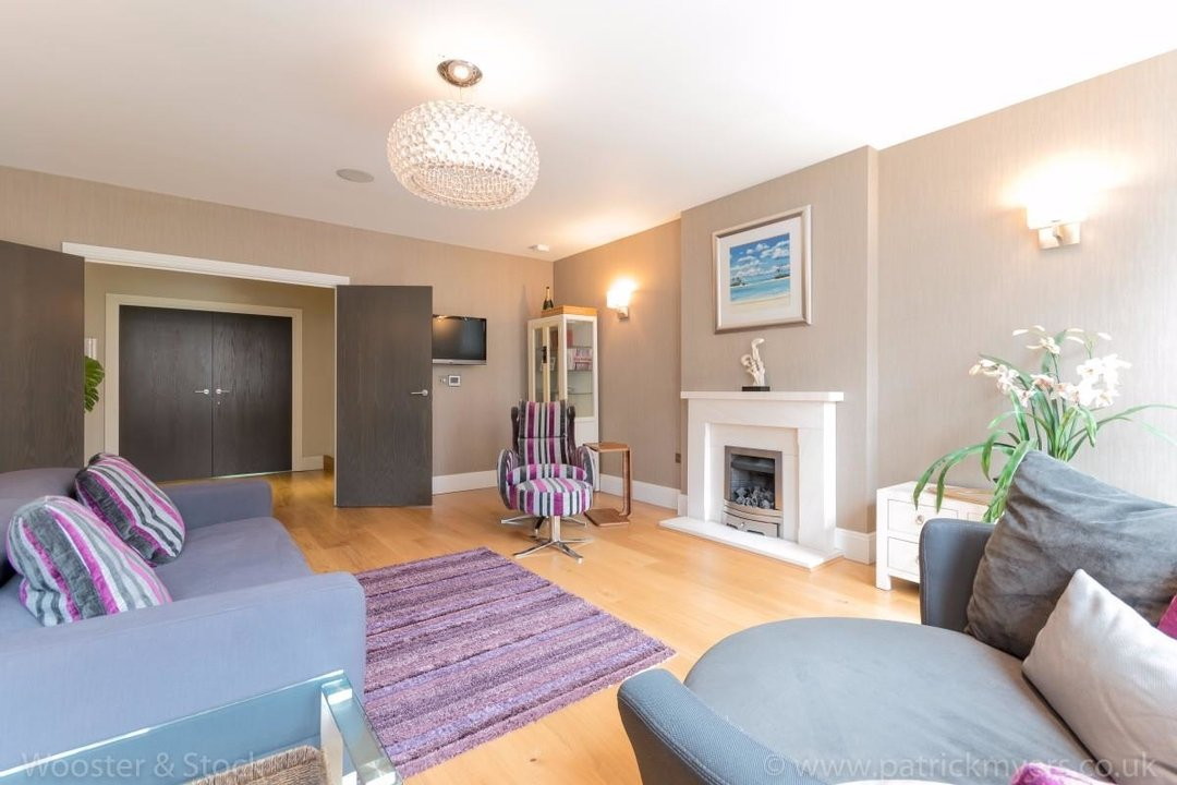 House - Terraced Sale Agreed in Camberwell Grove, SE5 181 view9
