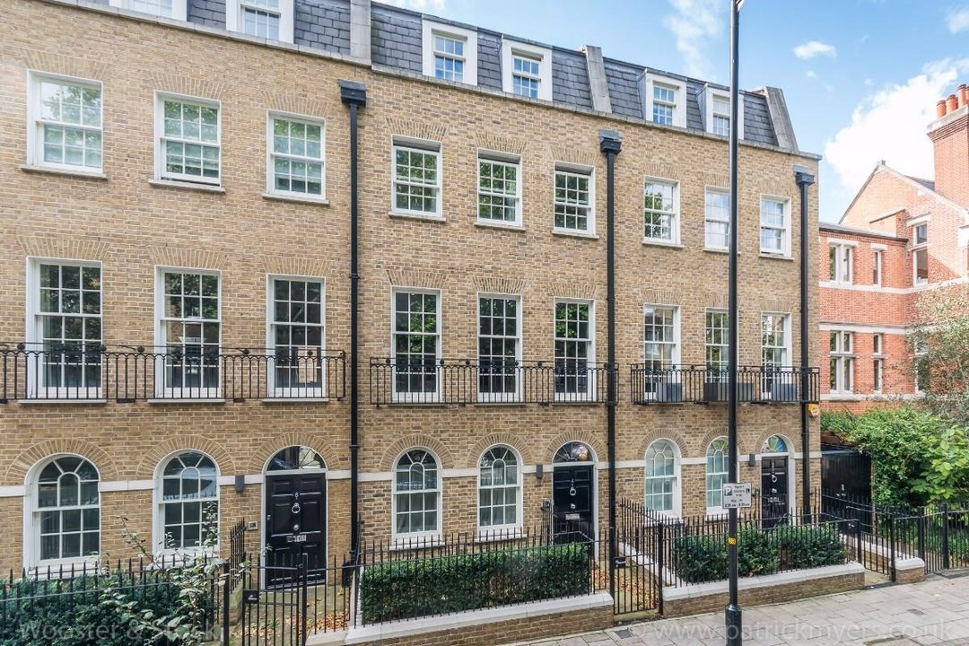House - Terraced Sale Agreed in Camberwell Grove, SE5 181 view1