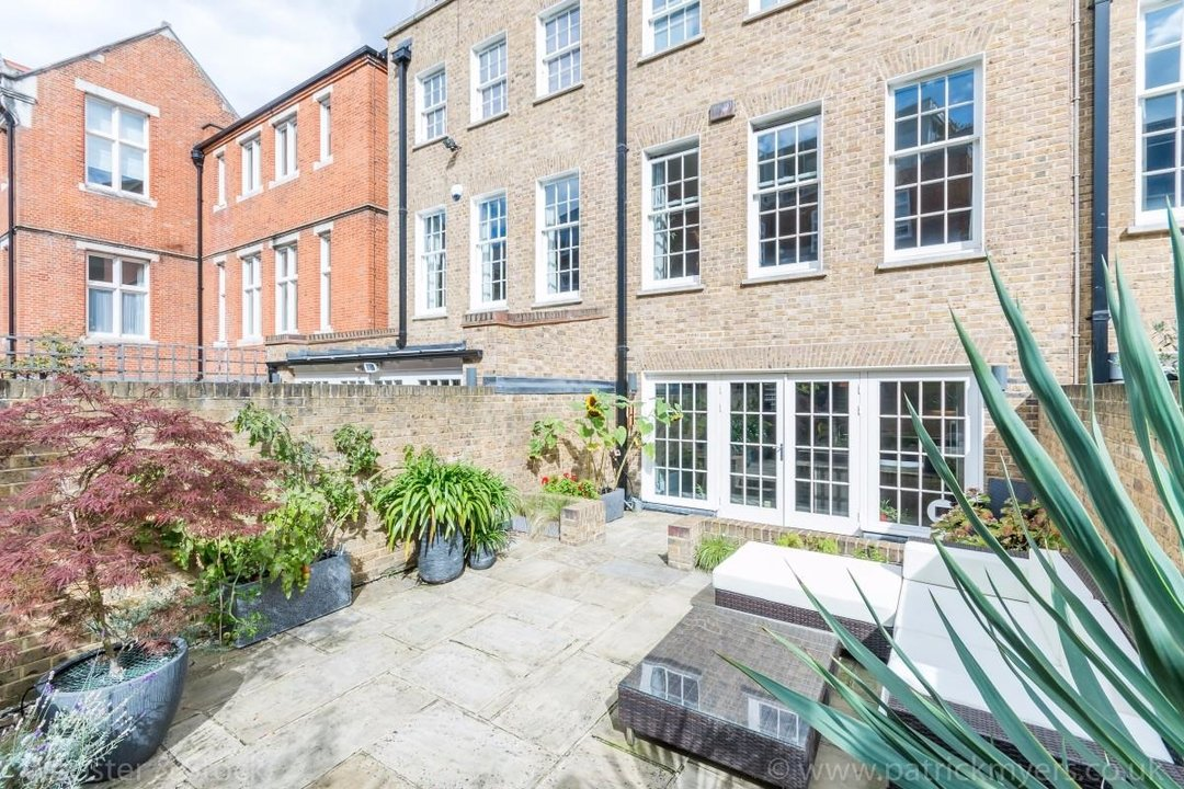 House - Terraced Sale Agreed in Camberwell Grove, SE5 181 view32