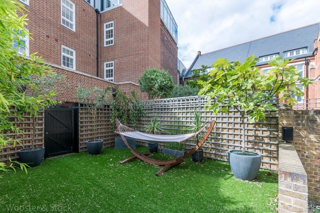 House - Terraced Sale Agreed in Camberwell Grove, SE5 181 view31