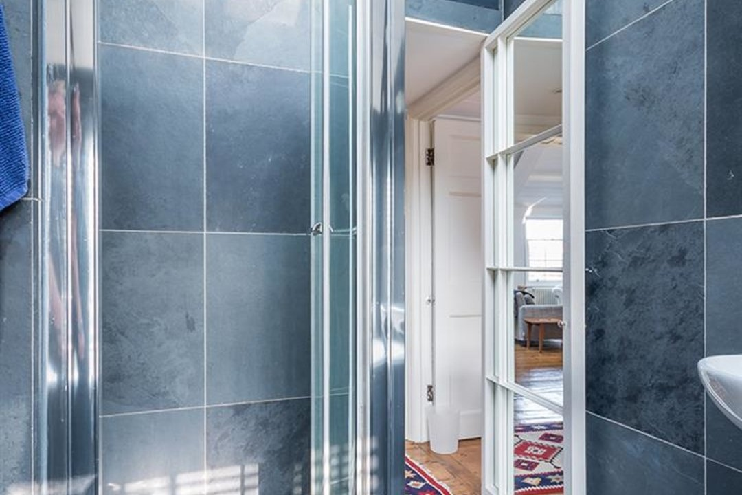 Flat - Conversion Sold in Camberwell Grove, SE5 187 view12