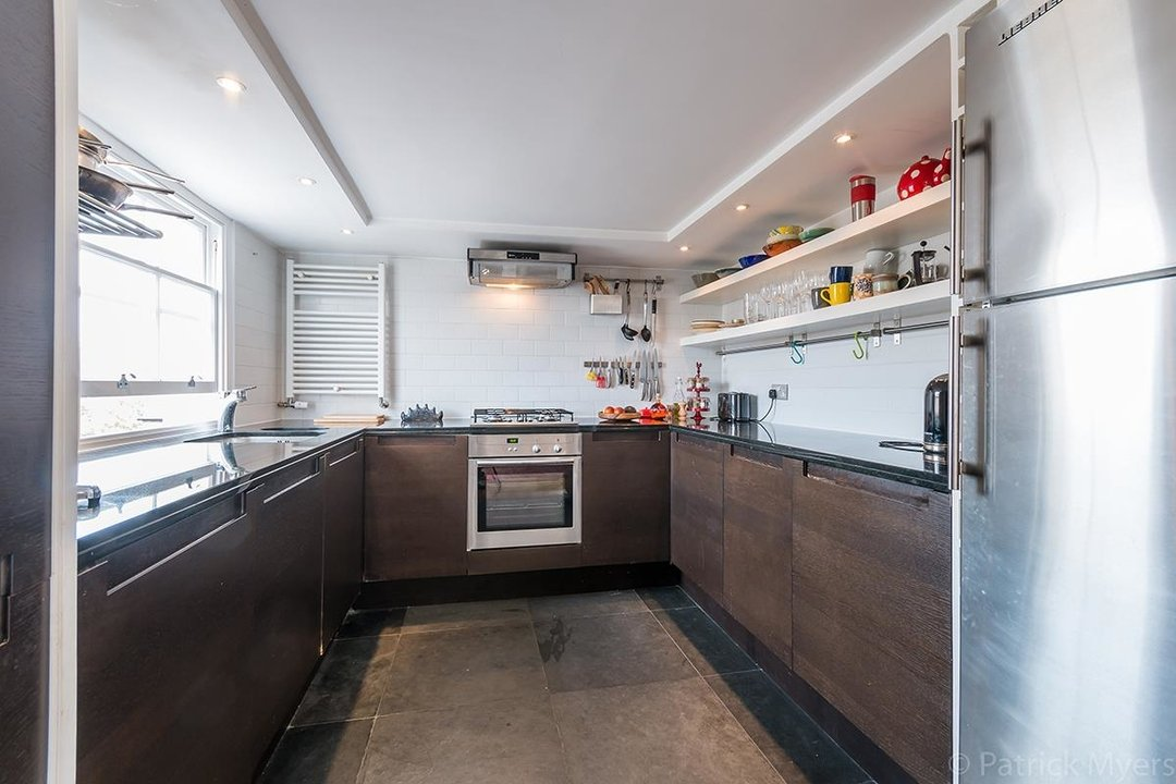 Flat - Conversion Sold in Camberwell Grove, SE5 187 view16
