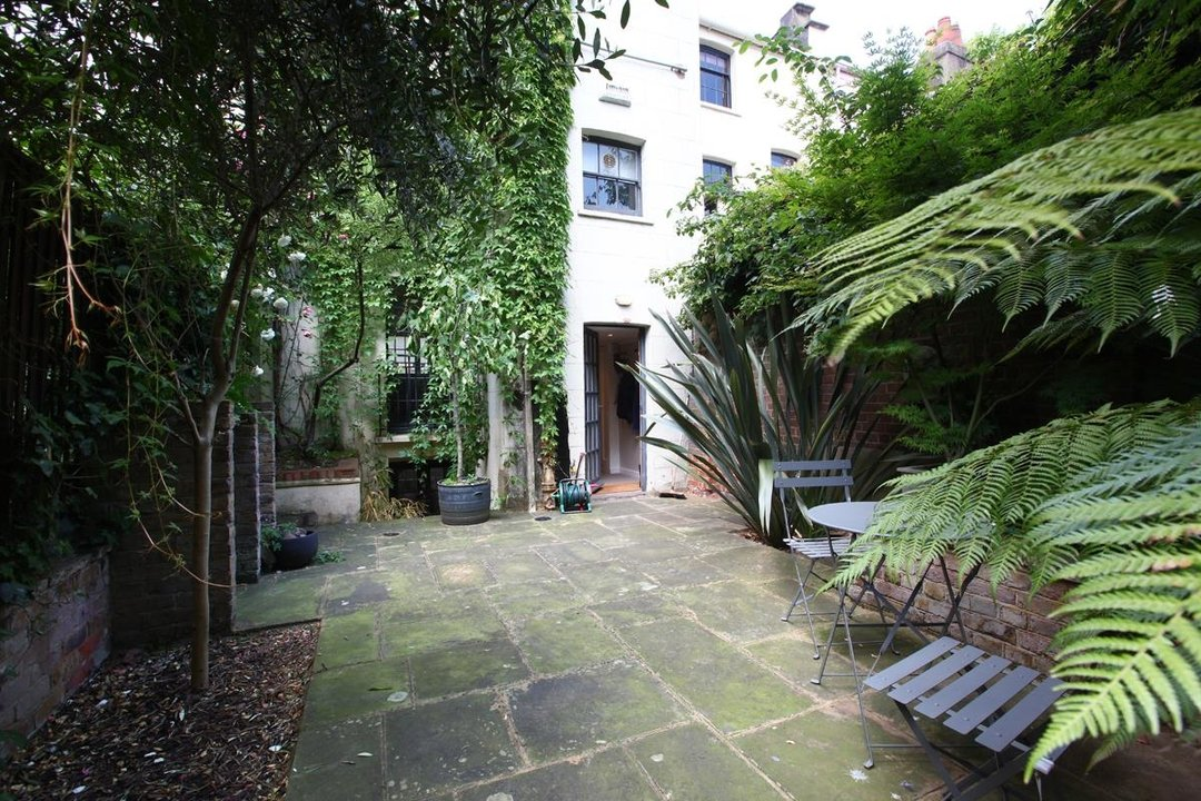 House - Terraced Sold in Camberwell Grove, SE5 190 view16