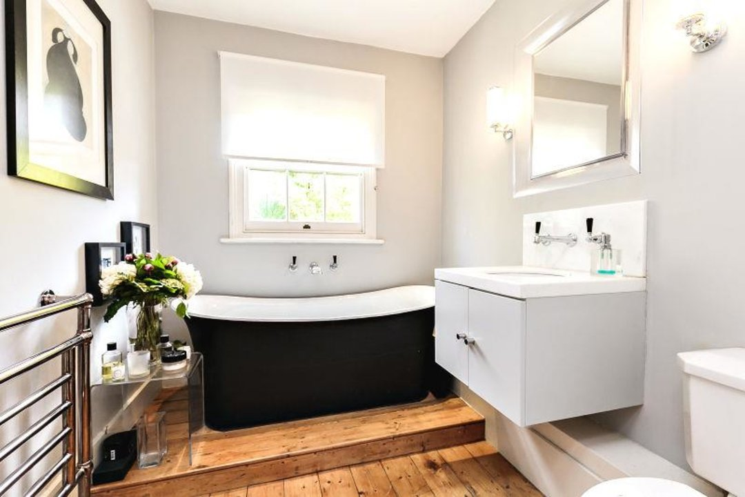 House - Terraced Sold in Camberwell Grove, SE5 190 view15
